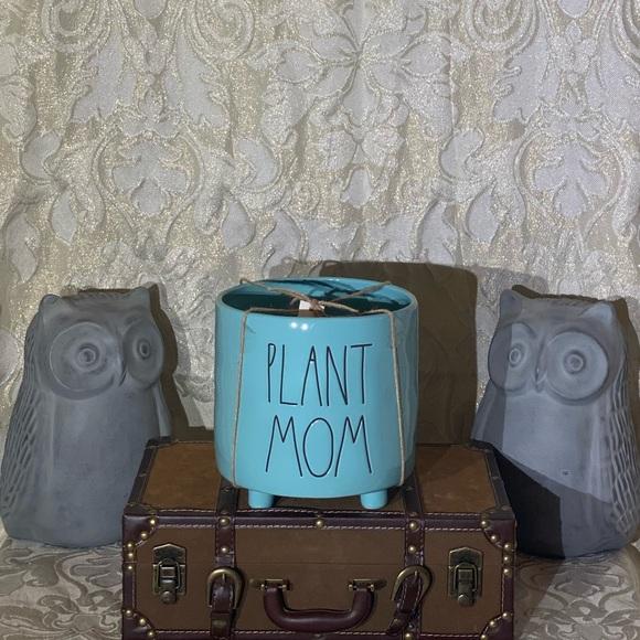 "**SOLD On Mercari**Rae Dunn ""PLANT MOM"" Planter"